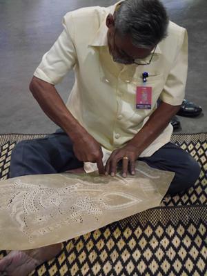 タイランド・トラベル・フェアー 伝統工芸のデモンストレーション