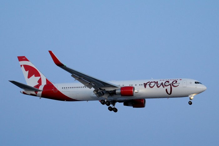 rouge_Boeing767_2